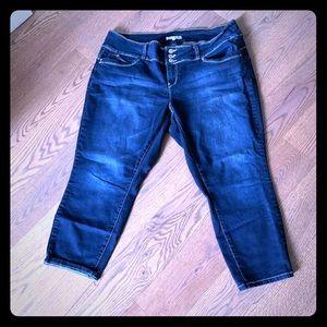 Plus size ankle jeans